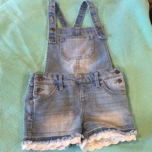 Cat & Jack girls short denim overalls